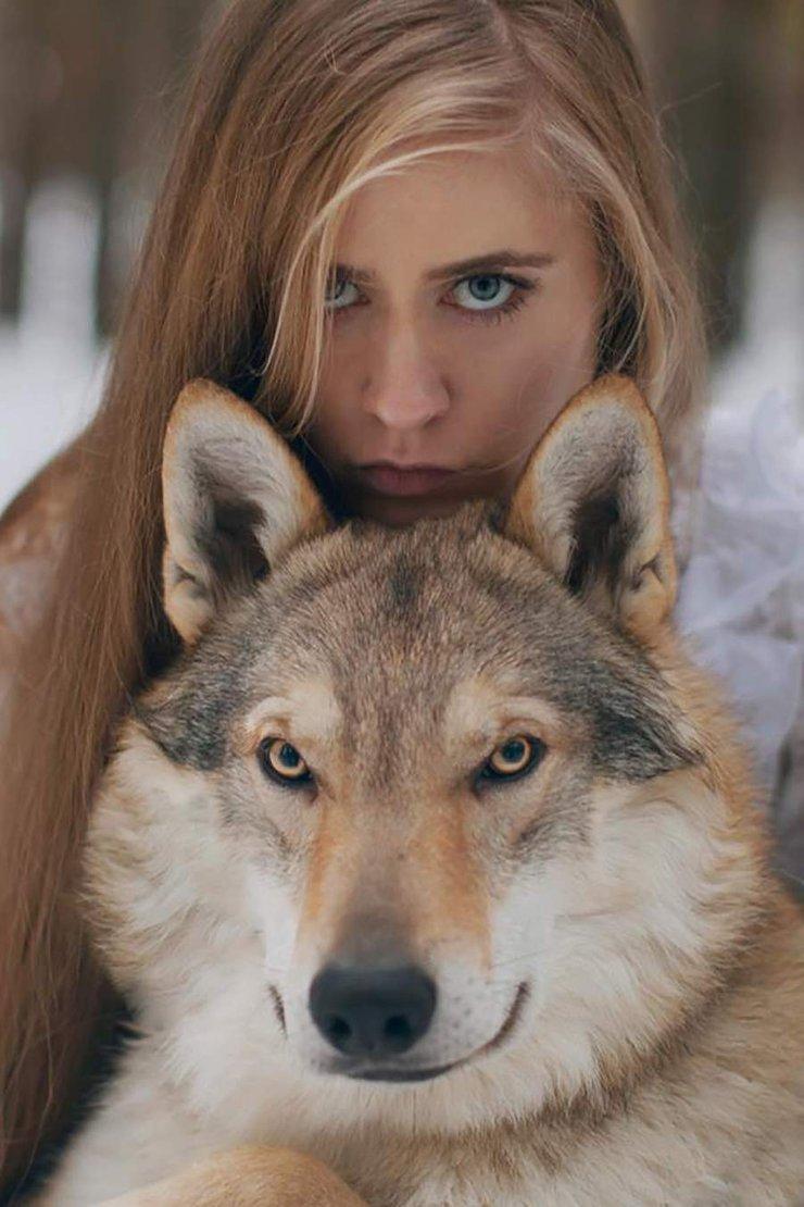 马和女人配对图片 美女与野兽真人版